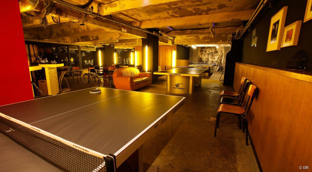 les bars insolites paris o faire du sport. Black Bedroom Furniture Sets. Home Design Ideas