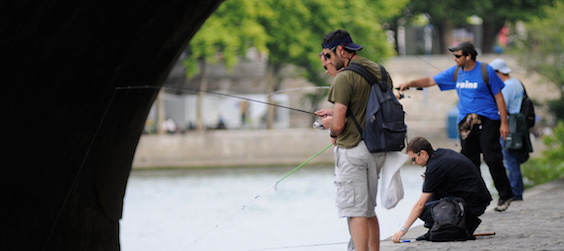 street fishing - EVG Paris - Intripid - blog - Paris - insolite