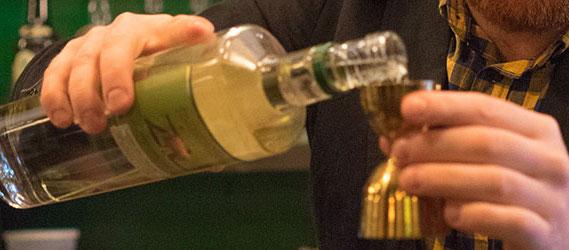 jay_laflemme_barman_mtl_montreal_bar_distillerie_cocktails