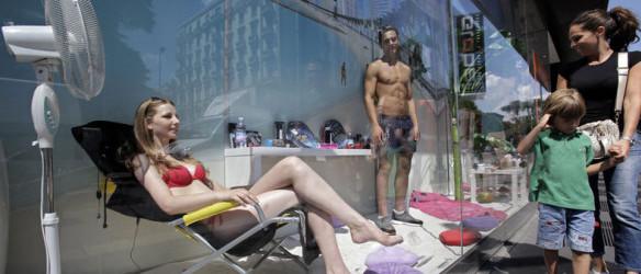 sem11jle-Z29-Modeles-vivants-vitrines-Milan
