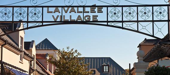 le-centre-de-La-Vallée-Village