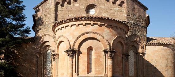 La ruta románica de Cataluña-monasterio de Sant Juan de les Abadesses Intripid