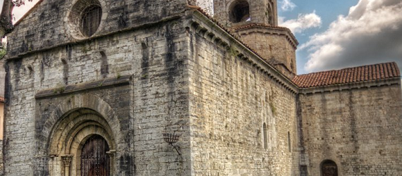 La ruta románica de Cataluña-Monasterio de Sant PEre en Camprodon Intripid
