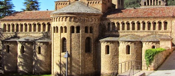 La ruta románica de Cataluña-monasterio de Santa Maria de Ripoll Intripid