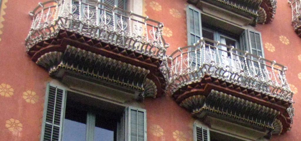 #ruta modernista en Barcelona casa Estapé #intripid