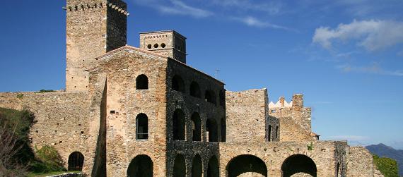 La ruta románica de Cataluña-monasterio Sant Pere de Rodes Intripid