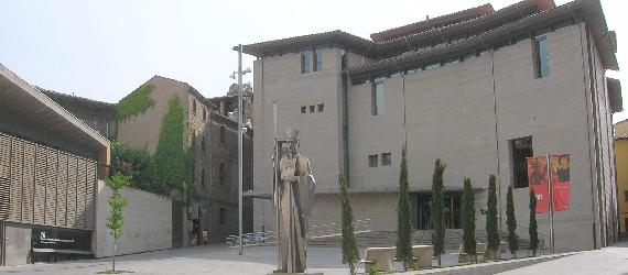 La ruta románica de Cataluña-museo Episcopal Vic Intripid