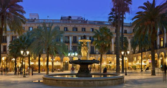 Que hacer en Barcelona. Plaza real. Intripid