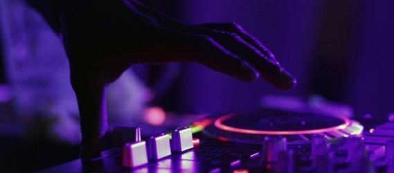 Animation de soirée avec un DJ